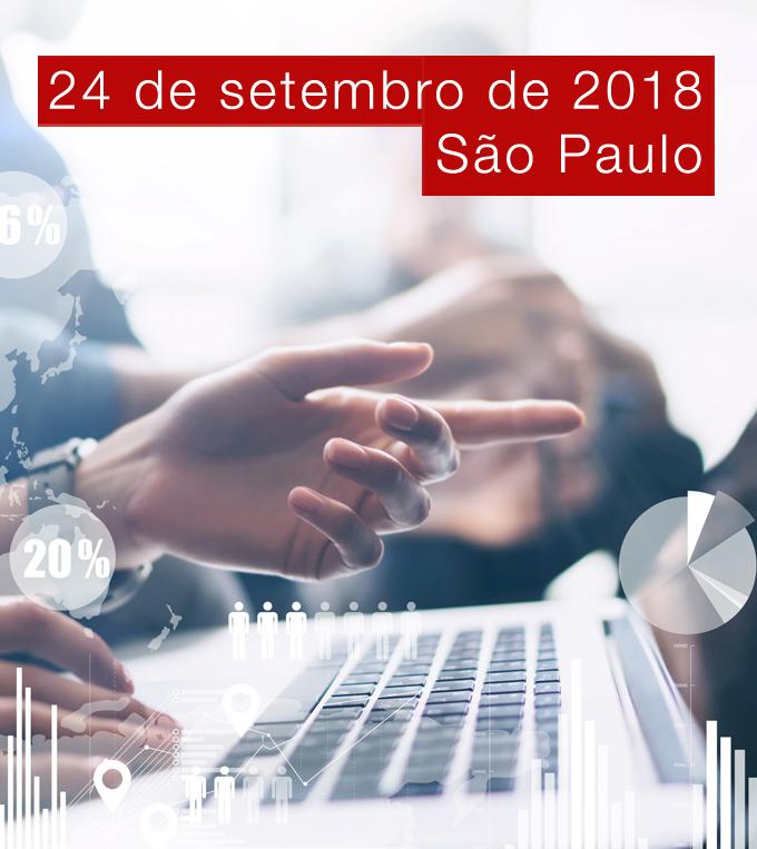 Foto de pessoa apontando para a tela do notebook e vários gráficos sobrepostos a foto com o texto 24 de setembro de 2018. São Paulo